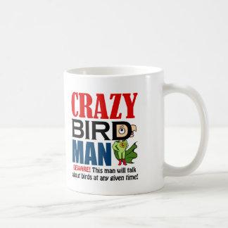 Hombre loco del pájaro taza