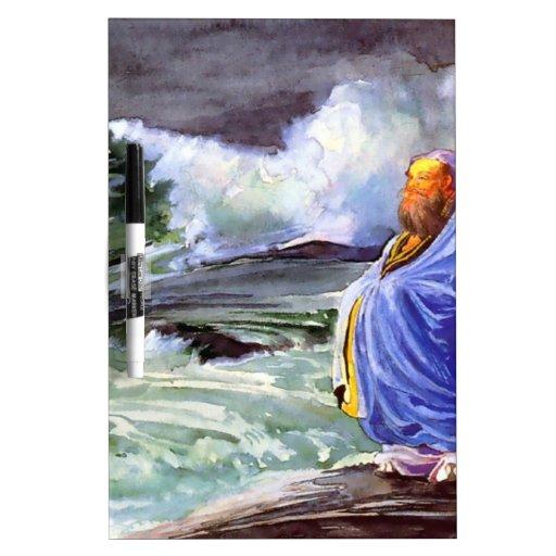 Hombre por la pintura tempestuosa del mar pizarras blancas de calidad
