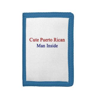 Hombre puertorriqueño lindo dentro