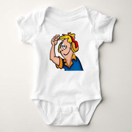 Hombre que escucha los auriculares body para bebé