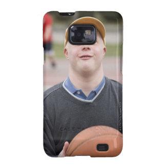 Hombre que juega a baloncesto galaxy SII carcasa