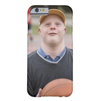 Hombre que juega a baloncesto funda de iPhone 6 barely there
