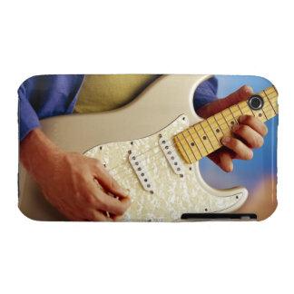 Hombre que toca la guitarra eléctrica funda bareyly there para iPhone 3 de Case-Mate