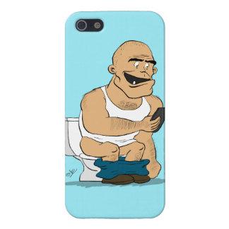 Hombre que usa Smartphone en el retrete - caso div iPhone 5 Protector