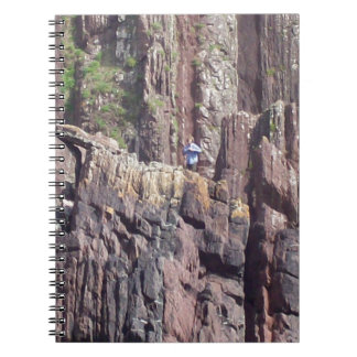 Hombre salvaje en los acantilados libretas espirales