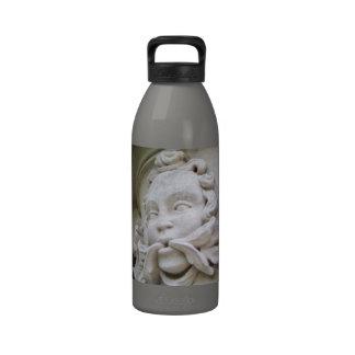 Hombre verde botella de agua reutilizable