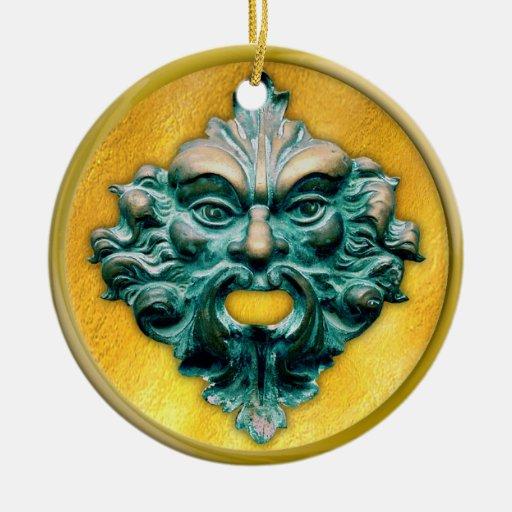 Hombre verde con el marco del oro ornamentos para reyes magos