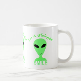 Hombre verde del extranjero LGM de la sonrisa Tazas
