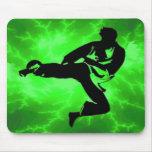 Hombre verde del relámpago de los artes marciales alfombrilla de ratones