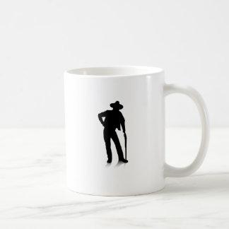 Hombre y arma taza de café