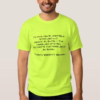 hombres básicos de la camiseta en epigrama del remeras