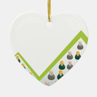 Hombres de negocios crecientes de la red adorno navideño de cerámica en forma de corazón