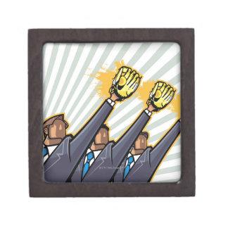 Hombres de negocios que llevan el guante de béisbo caja de joyas de calidad