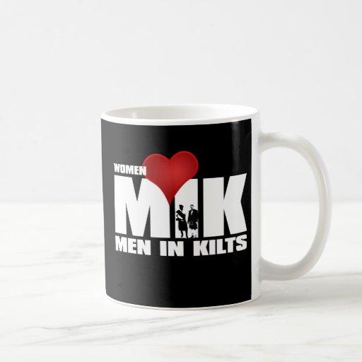 Hombres del amor de las mujeres en taza de las fal