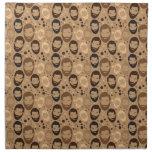 Hombres en modelo de las barbas servilletas de papel