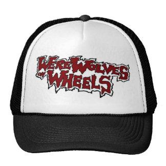 Hombres lobos en el gorra del camionero de las rue