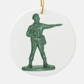 Hombres verdes del ejército adorno redondo de cerámica