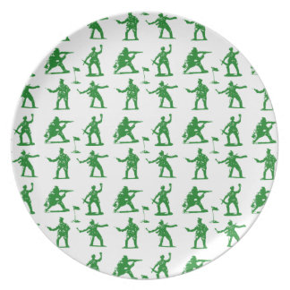 Hombres verdes del ejército plato