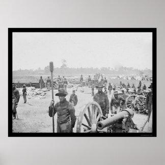 Hombres y cañón que luchan en el fuerte Richardson Impresiones