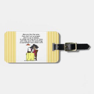 Hombres y humor del vino fino etiquetas de maletas