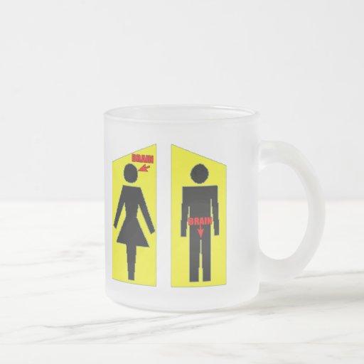 Hombres y regalos para mujer de las camisetas del  taza de café