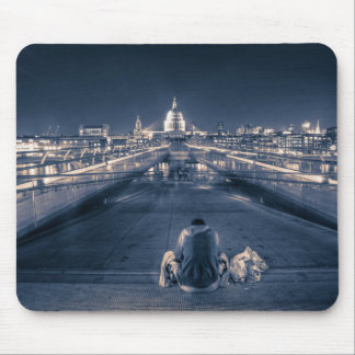 Homeless in London Mouse Pad