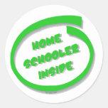 Homeschooler dentro etiquetas redondas