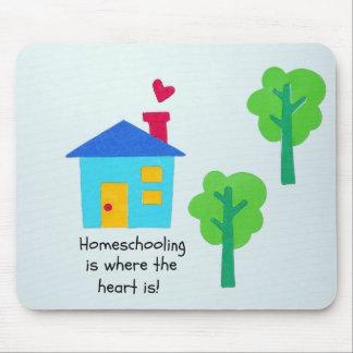 ¡Homeschooling es donde está el corazón! Mousepad