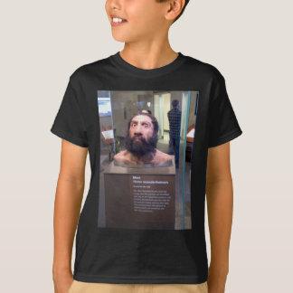 Homo neanderthalensis; museum exhibit T-Shirt