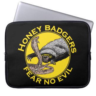 Honey Badgers 'fear no evil' Laptop Sleeve