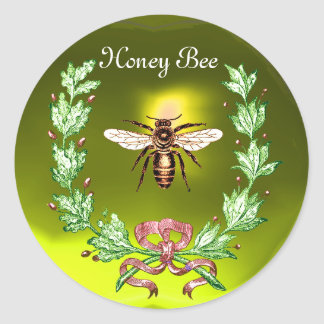 HONEY BEE ,WREATH WITH OAK LEAVES  AND RED RIBBON CLASSIC ROUND STICKER