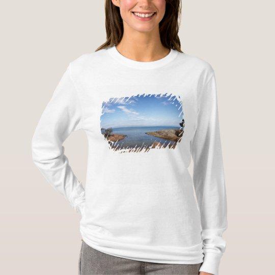 Honeymoon Bay, Coles Bay, Freycinet National T-Shirt