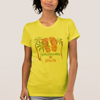 Honeymooning en Hawaii Camisetas