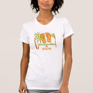 Honeymooning en la camiseta de Hawaii Polera