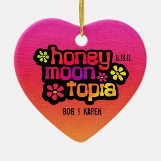 Honeymoontopia personalizó el ornamento adorno de cerámica en forma de corazón