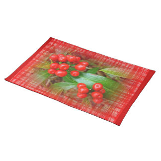 Honeysuckle Berries on Cotton Cloth Cloth Placemat