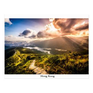 Hong Kong Mountainscape en la puesta del sol Postales