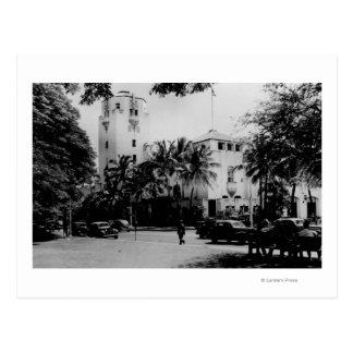 Honolulu, Hawaii - View of City Hall Postcard