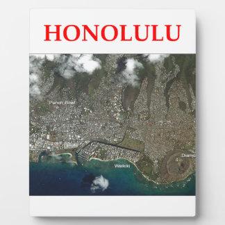 honolulu display plaque