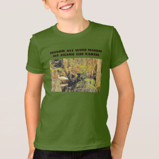 honor and share T-Shirt