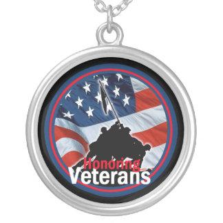 Honrar el collar de los veteranos