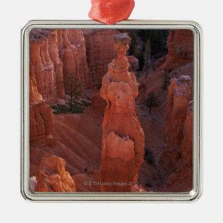 Hoodoo del martillo del Thor en rastro de Navajo Adorno