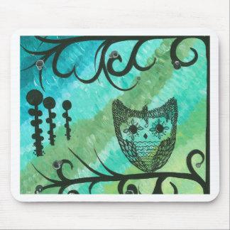 Hoolandia (c) 2013 - Contrast Owl 04 Mouse Pad