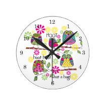 Hootie Owls Round Clock