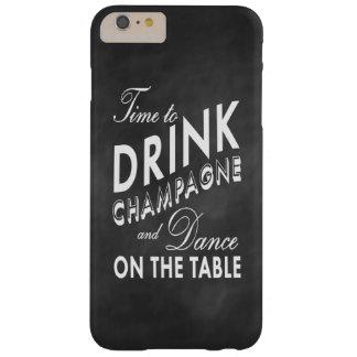 Hora de beber el iPhone 6 de la pizarra de Champán Funda De iPhone 6 Plus Barely There