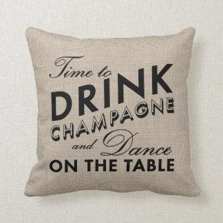 Hora de beber la arpillera de Champán y la Cojines
