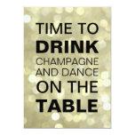 Hora de beber la invitación del cumpleaños del oro invitación 12,7 x 17,8 cm