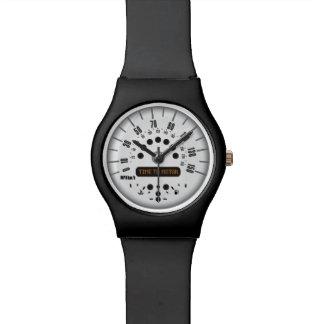 ¡Hora de viajar en automóvili el reloj de Mini Coo