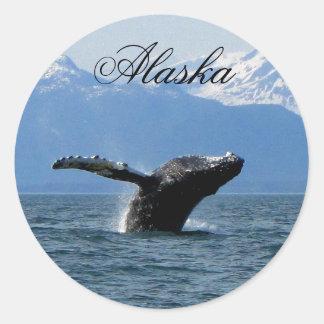 Hora del recreo de la ballena; Alaska Pegatinas Redondas