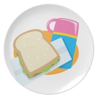hora para el almuerzo plato de comida